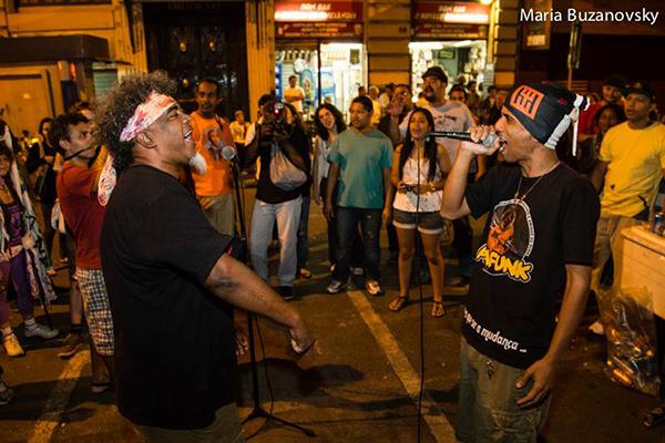 Figure 5: (de droite à gauche) Nelson Maca, poète et coordinateur du Sarau Bem Black; Mano Teko, funk-poète et coordinateur du Sarau APAfunk