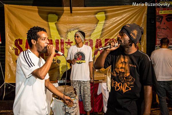 Figure 8: Alexandre Lucena, Mano Teko (centre), funk-poète coordinateur du Sarau Apafunk, et MC Pingo do Rap, funk-poète, Association Apafunk