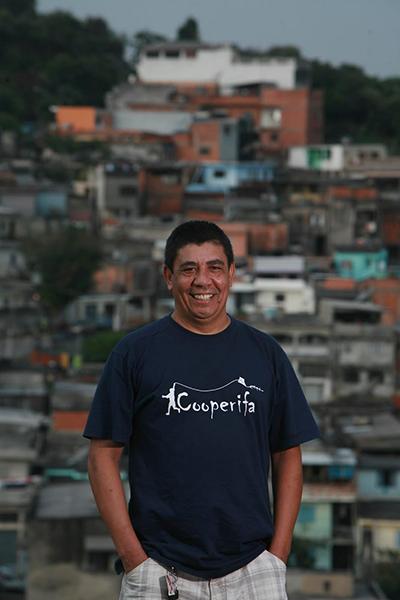 Figura 2: O poeta Sérgio Vaz (foto: Marcelo Min)