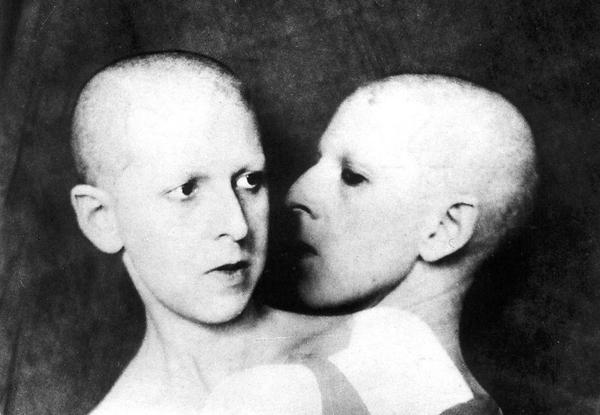 Que me veux-tu?, autorretrato, 1930