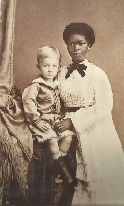 Eugen Keller e sua babá em Pernambuco, cerca de 1874 Alberto Henschel. Brésil. Les premiers photographes sous les tropiques. Gallimard, 2005.
