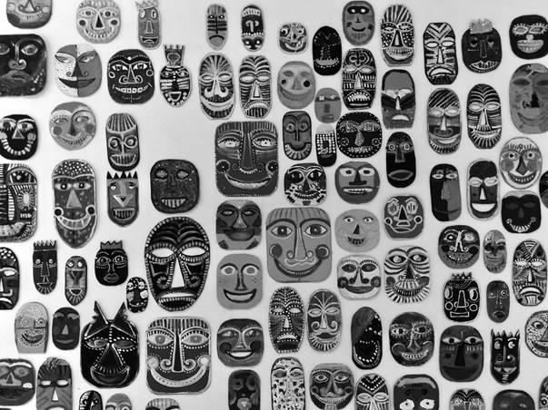 Máscaras expostas na Escola de Dança da Universidade Federal da Bahia/UFBA. Salvador – Bahia, 2018