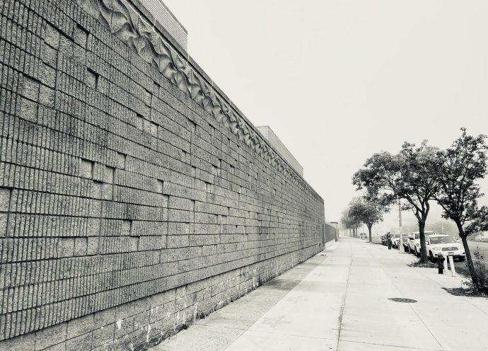 Muro exterior do Aquário de Nova York, Coney Island, 2020. Acervo pessoal.